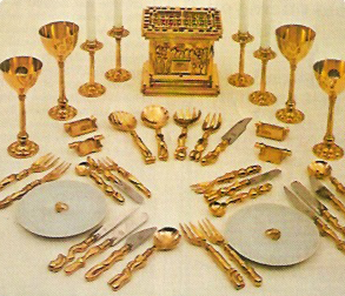 Romeo And Juliet Beauty And The Feast, Gold Plated Place Setting 1969