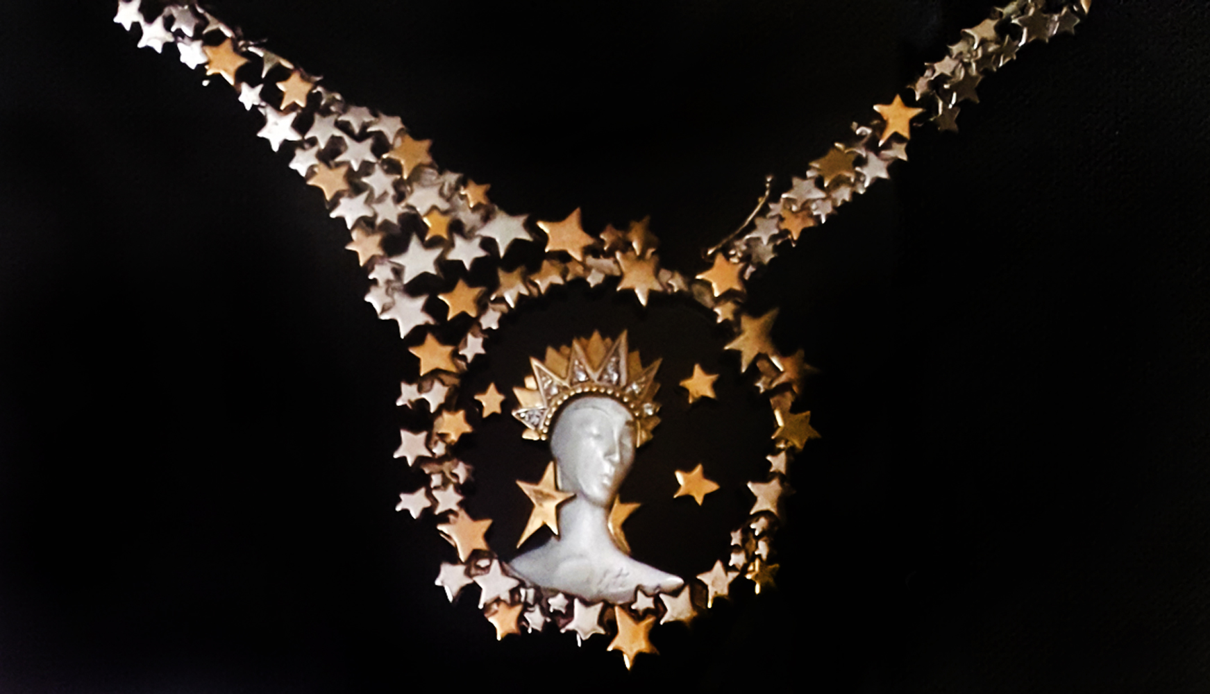 Gold Star Necklace With Napkin Drawing