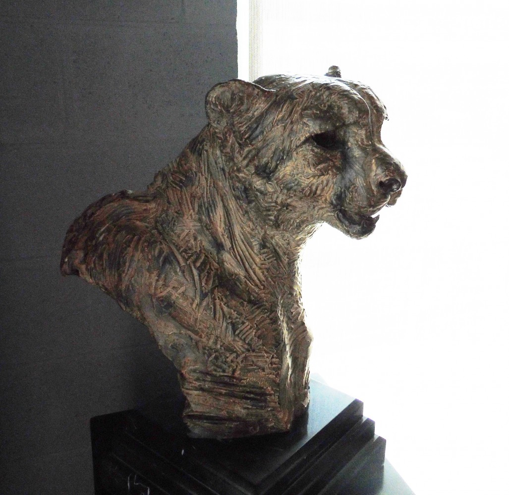 Samburu Cheetah Large Bust Bronze Sculpture 1996 23 in