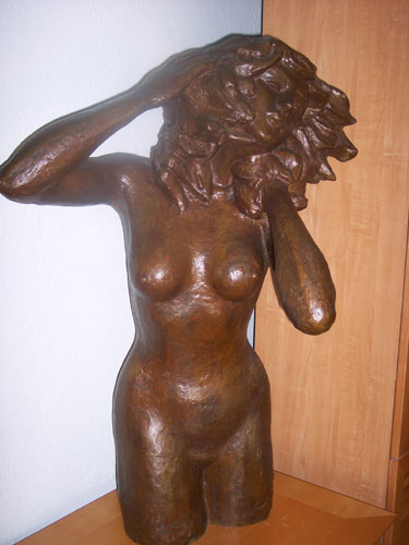 Women in the Wind / Mujer en el Viento Bronze Sculpture 1978 41 in