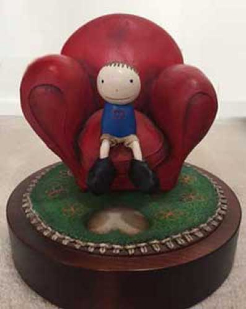 Love Seated Resin Sculpture 2000 9 in