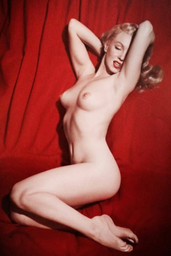 Velvet Pictures- Marilyn Monroe Pose #10 1950