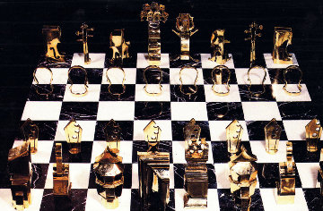 Chess Game (Collaboration Arman And Boisgontier) Bronze and Marble Sculpture 1986 Sculpture - Arman Arman