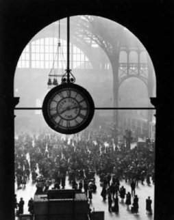 Farewell to Servicemen 1943 (Penn Station New York) Photography - Alfred Eisenstaedt