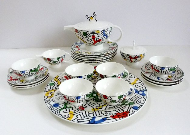 villeroy and boch keith haring bone china tea set 1991 unused 24 pcs by keith haring. Black Bedroom Furniture Sets. Home Design Ideas