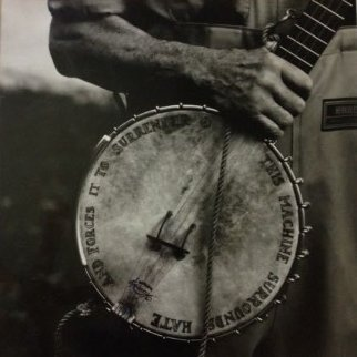 Pete Seeger, Clearwater Revival, Croton-On-Hudson, New York (Banjo) 2001 Photography - Annie Leibovitz