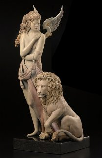 Last Lion 1/3 Life Size   2012 28 in Sculpture - Michael Parkes