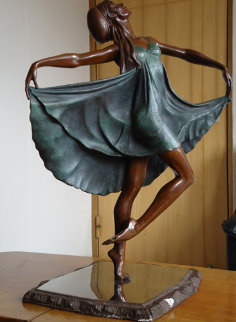 Untitled Dancer Bronze Sculpture Sculpture - Victor Villarreal
