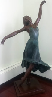 Isadora Bronze Sculpture 38 in Sculpture - Victor Villarreal