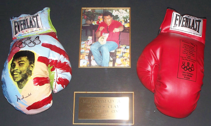 Muhammed Ali Olympic Glove Set